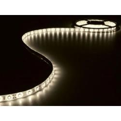 KIT MET FLEXIBELE LED STRIP EN VOEDING WARMWIT 300 LEDS 5 m 12Vdc
